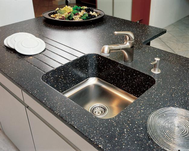 столы кухонные со столешницами кориана